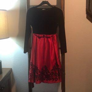 Girls Holiday Black Velvet/Red Gown